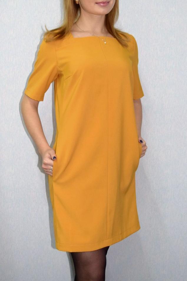 ПлатьеПлатья<br>Универсальное платье с рукавами до локтя. Модель выполнена из приятного материала.  Отличный выбор для любого случая.  Цвет: горчичный  Ростовка изделия 170 см.<br><br>Горловина: Квадратная горловина<br>По длине: До колена<br>По материалу: Тканевые<br>По рисунку: Однотонные<br>По силуэту: Прямые<br>По стилю: Кэжуал,Офисный стиль,Повседневный стиль<br>По элементам: С карманами<br>Рукав: До локтя<br>По сезону: Осень,Весна<br>Размер : 52<br>Материал: Плательная ткань<br>Количество в наличии: 1