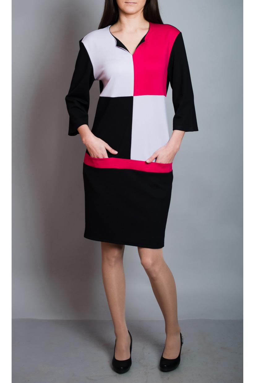 ПлатьеПлатья<br>Цветное платье с рукавами 3/4. Модель выполнена из приятного материала. Отличный выбор для повседневного гардероба.  В изделии использованы цвета: черный, белый, розовый  Ростовка изделия 170 см.<br><br>Горловина: Фигурная горловина<br>По длине: До колена<br>По материалу: Вискоза,Трикотаж<br>По рисунку: Цветные<br>По силуэту: Полуприталенные<br>По стилю: Повседневный стиль<br>По форме: Платье - футляр<br>По элементам: С карманами<br>Рукав: Рукав три четверти<br>По сезону: Осень,Весна,Зима<br>Размер : 44,46,48,50,52<br>Материал: Джерси<br>Количество в наличии: 5