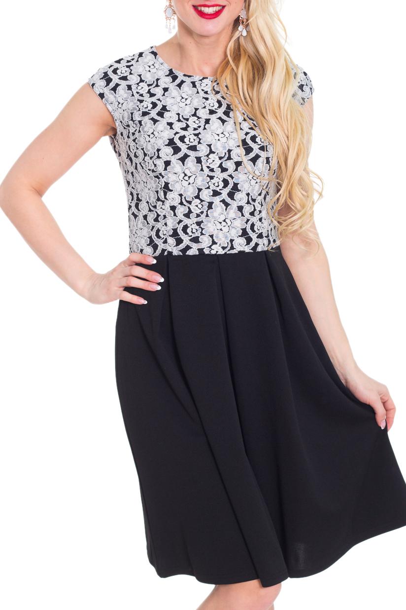 ПлатьеПлатья<br>Красивое платье имитирующее юбку и блузку. Модель выполнена из приятного материала. Отличный выбор для любого случая.  Цвет: черный, белый  Рост девушки-фотомодели 170 см.<br><br>Горловина: С- горловина<br>По длине: До колена<br>По материалу: Трикотаж<br>По рисунку: Растительные мотивы,Цветные,Цветочные<br>По сезону: Весна,Осень<br>По силуэту: Полуприталенные<br>По стилю: Нарядный стиль,Повседневный стиль<br>По форме: Платье - трапеция<br>Рукав: Без рукавов<br>Размер : 44,46,48<br>Материал: Трикотаж<br>Количество в наличии: 3