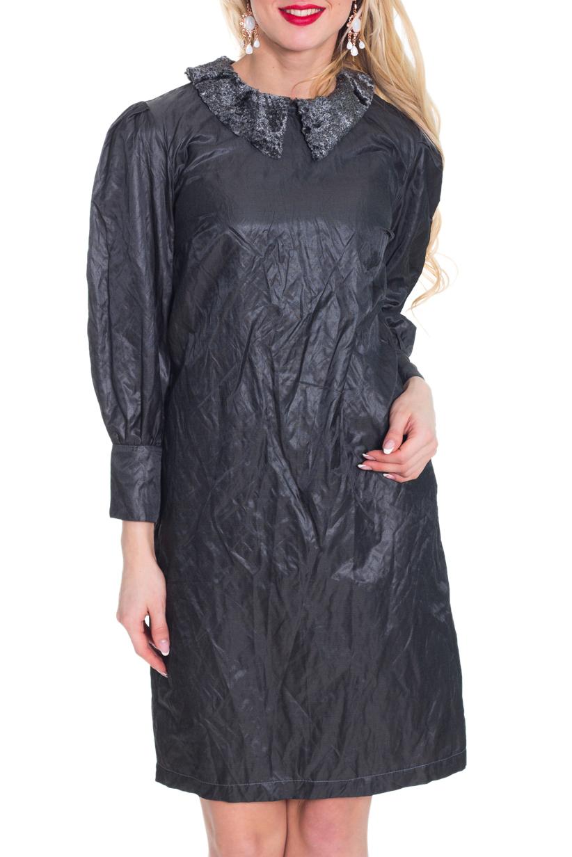ПлатьеПлатья<br>Интересное женское платье с отложным воротничком. Модель выполнена из плательной ткани с эффектом жатки. Отличный выбор для повседневного гардероба.  Цвет: серый  Рост девушки-фотомодели 170 см.<br><br>Воротник: Отложной<br>Горловина: С- горловина<br>По длине: До колена<br>По материалу: Тканевые<br>По рисунку: Однотонные<br>По сезону: Весна,Осень,Зима<br>По силуэту: Прямые<br>По стилю: Повседневный стиль<br>По элементам: С манжетами<br>Рукав: Рукав три четверти<br>По форме: Платье - трапеция<br>Размер : 48<br>Материал: Плательная ткань<br>Количество в наличии: 1