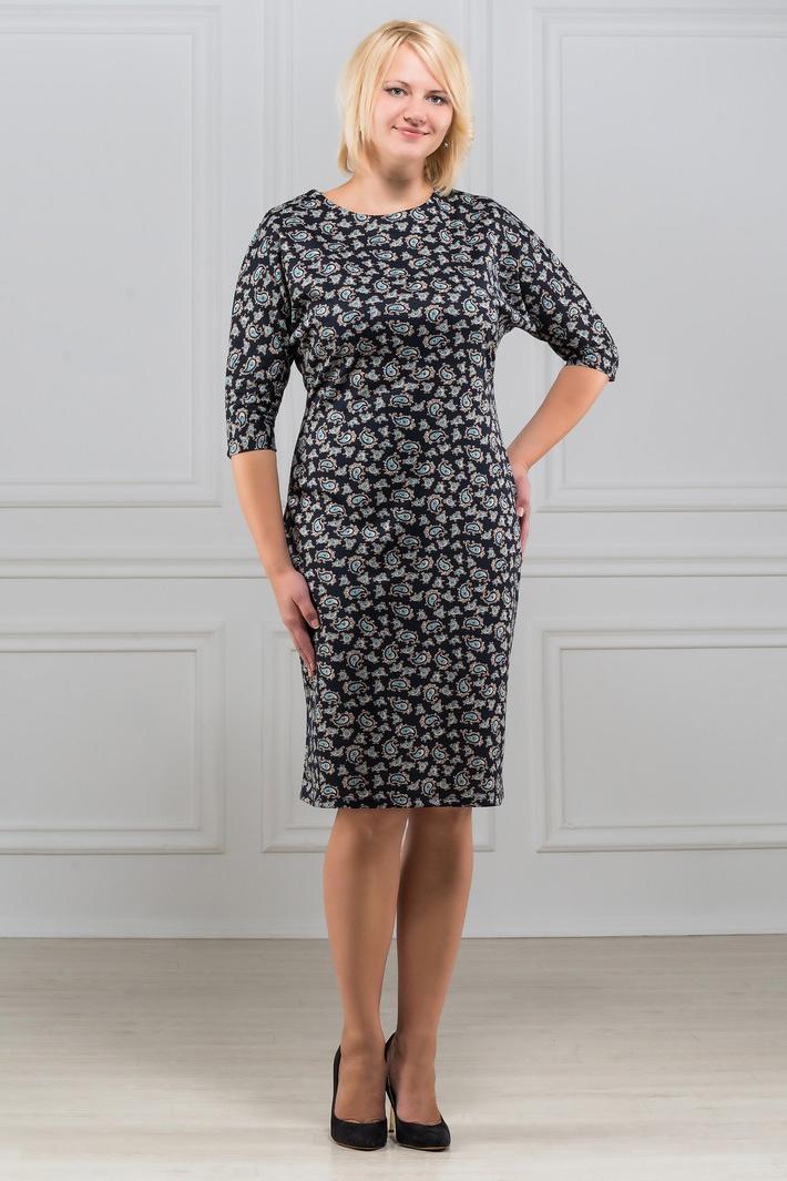 ПлатьеПлатья<br>Платье однотонное, фасона летучая мышь. Основным преимуществом платья является то, что оно украсит женщину с абсолютно любой фигурой. Модели платья с широким верхом в области плеч и узким по бедрам низом идут всем. Ткань характеризуется эластичностью, растяжимостью и мягкостью. Плотность ткани 280 гр/м2  Длина платья 100-105 см.  В изделии использованы цвета: черный, серый, голубой и др.  Рост девушки-фотомодели 173 см<br><br>Горловина: С- горловина<br>По длине: До колена<br>По материалу: Вискоза,Трикотаж<br>По рисунку: С принтом,Цветные<br>По силуэту: Полуприталенные<br>По стилю: Повседневный стиль<br>По форме: Платье - футляр<br>Рукав: Рукав три четверти<br>По сезону: Осень,Весна,Зима<br>Размер : 50,52,56,58<br>Материал: Трикотаж<br>Количество в наличии: 4