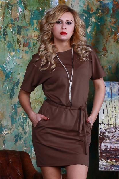 ПлатьеПлатья<br>Платье из плотного джерси прилегающего силуэта, со спущенной линией плеча и внутренними боковыми карманами, вырез - quot;лодочкаquot;.  Платье без пояса.  Длина изделия от 87 см до 93 см, в зависимости от размера.  Цвет: коричневый  Рост девушки-фотомодели 175 см<br><br>Горловина: С- горловина<br>По длине: До колена<br>По материалу: Трикотаж<br>По рисунку: Однотонные<br>По силуэту: Полуприталенные<br>По стилю: Повседневный стиль,Офисный стиль,Классический стиль,Кэжуал<br>По форме: Платье - футляр<br>Рукав: До локтя<br>По сезону: Осень,Весна,Зима<br>Размер : 46<br>Материал: Трикотаж<br>Количество в наличии: 1