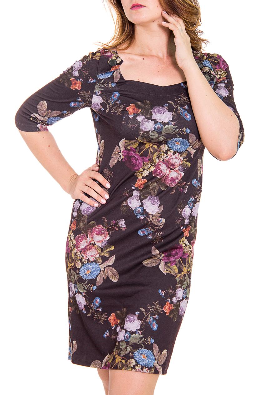 ПлатьеПлатья<br>Элегантное женское платье приталенного силуэта с рукавами 3/4.  Цвет: на киричневом фоне цветочный принт.  Рост девушки-фотомодели 180 см<br><br>По длине: До колена<br>По материалу: Вискоза,Трикотаж<br>По рисунку: Растительные мотивы,С принтом,Цветные,Цветочные<br>По сезону: Весна,Осень,Зима<br>По силуэту: Приталенные<br>По стилю: Повседневный стиль<br>По форме: Платье - футляр<br>Рукав: Рукав три четверти<br>Горловина: Фигурная горловина<br>Размер : 48,50,52<br>Материал: Джерси<br>Количество в наличии: 6