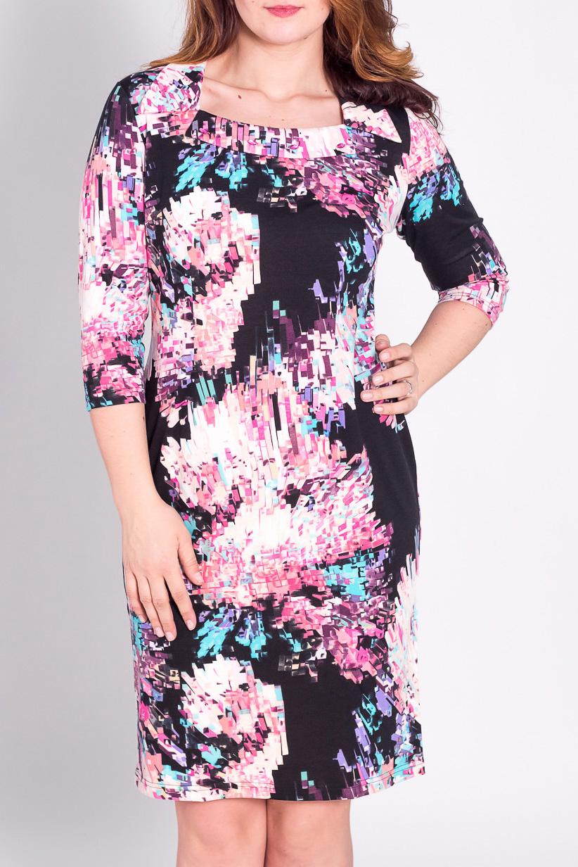 ПлатьеПлатья<br>Женское платье с рукавами 3/4. Модель выполнена из приятного материала. Отличный выбор для повседневного гардероба.  Цвет: черный, розовый, голубой  Рост девушки-фотомодели 180 см.<br><br>Горловина: Квадратная горловина<br>По длине: До колена<br>По материалу: Вискоза,Трикотаж<br>По рисунку: Цветные,С принтом<br>По сезону: Весна,Осень,Зима<br>По стилю: Повседневный стиль<br>По форме: Платье - футляр<br>Рукав: Рукав три четверти<br>По силуэту: Приталенные<br>Размер : 50,52<br>Материал: Трикотаж<br>Количество в наличии: 3