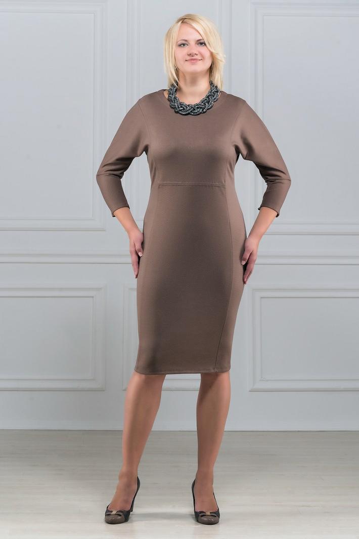 ПлатьеПлатья<br>Платье однотонное, фасона летучая мышь. Основным преимуществом платья является то, что оно украсит женщину с абсолютно любой фигурой. Модели платья с широким верхом в области плеч и узким по бедрам низом идут всем. Ткань характеризуется эластичностью, растяжимостью и мягкостью. Плотность ткани 280 гр/м2  Длина платья 100-105 см.  Цвет: бежевый  Рост девушки-фотомодели 173 см<br><br>Горловина: С- горловина<br>По длине: Ниже колена<br>По материалу: Вискоза,Трикотаж<br>По образу: Город,Офис<br>По рисунку: Однотонные<br>По силуэту: Приталенные<br>По стилю: Офисный стиль,Повседневный стиль<br>По форме: Платье - футляр<br>Рукав: Рукав три четверти<br>По сезону: Осень,Весна,Зима<br>Размер : 50,52,54,56,60<br>Материал: Трикотаж<br>Количество в наличии: 5