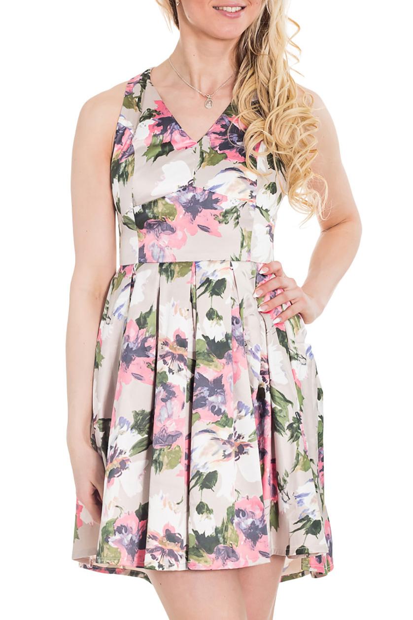 ПлатьеПлатья<br>Короткое платье с ярким цветочным принтом на белом фоне подарит радостное настроение вам и окружающим. Отрезное по линии талии, оно прекрасно подчеркнет вашу грудь. Красивое глубокое декольте не только позволит продемонстрировать красоту и молодость вашей кожи, но и поможет пережить жаркие летние дни. Оригинальный крой спины делает платье игривым и кокетливым. Широкая юбка зрительно уменьшит объемы ваших ног.  Цвет: белый, розовый, синий, зеленый  Рост девушки-фотомодели 170 см.<br><br>Горловина: V- горловина<br>По длине: До колена<br>По материалу: Атлас,Хлопок<br>По образу: Город,Свидание<br>По рисунку: Растительные мотивы,С принтом,Цветные,Цветочные<br>По силуэту: Приталенные<br>По стилю: Нарядный стиль,Повседневный стиль<br>По форме: Платье - трапеция<br>По элементам: С открытой спиной,С открытыми плечами,Со складками<br>Рукав: Без рукавов<br>По сезону: Лето<br>Размер : 42,44,46<br>Материал: Атлас<br>Количество в наличии: 3