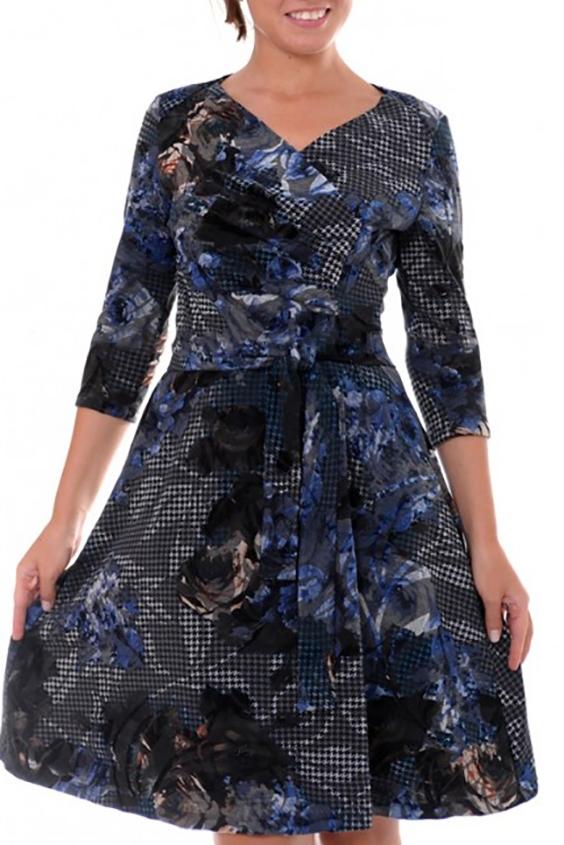 ПлатьеПлатья<br>Женственное платье из приятного трикотажного полотна с добавлением флока, с рукавами 3/4 и кокетливым вырезом. Платье с поясом.  Цвет: черный, синий, серый<br><br>Горловина: V- горловина<br>По длине: До колена<br>По материалу: Вискоза,Трикотаж<br>По рисунку: Цветные,С принтом<br>По сезону: Весна,Осень,Зима<br>По силуэту: Полуприталенные<br>По стилю: Повседневный стиль<br>По форме: Платье - трапеция<br>По элементам: С поясом<br>Рукав: Рукав три четверти<br>Размер : 42,44,46,48,50<br>Материал: Трикотаж<br>Количество в наличии: 6