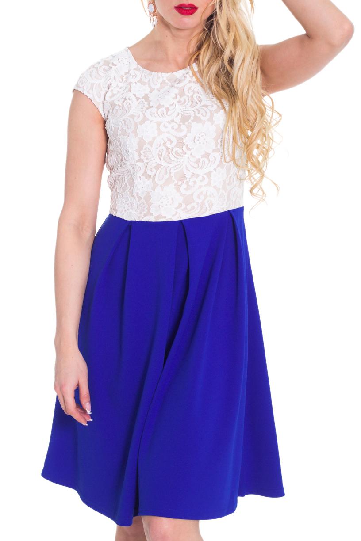 ПлатьеПлатья<br>Красивое платье имитирующее юбку и блузку. Модель выполнена из приятного материала. Отличный выбор для любого случая.  Цвет: синий, белый  Рост девушки-фотомодели 170 см.<br><br>Горловина: С- горловина<br>По длине: До колена<br>По материалу: Гипюр,Трикотаж<br>По рисунку: Цветные<br>По сезону: Весна,Всесезон,Зима,Лето,Осень<br>По силуэту: Полуприталенные<br>По стилю: Нарядный стиль<br>По форме: Платье - трапеция<br>Рукав: Короткий рукав<br>По элементам: Со складками<br>Размер : 42,48<br>Материал: Трикотаж + Гипюр<br>Количество в наличии: 2