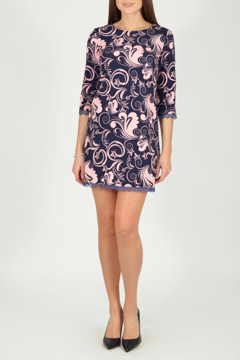 ПлатьеПлатья<br>Цветное платье футлярного типа с гипюром по низу изделия. Модель выполнена из приятного материала. Отличный выбор для любого случая.  В изделии использованы цвета: темно-синий, розовый  Рост девушки-фотомодели 170 см.  Параметры размеров: 42 размер - обхват груди 84 см., обхват талии 66 см., обхват бедер 92 см. 44 размер - обхват груди 88 см., обхват талии 70 см., обхват бедер 96 см. 46 размер - обхват груди 92 см., обхват талии 74 см., обхват бедер 100 см. 48 размер - обхват груди 96 см., обхват талии 78 см., обхват бедер 104 см. 50 размер - обхват груди 100 см., обхват талии 82 см., обхват бедер 108 см. 52 размер - обхват груди 104 см., обхват талии 86 см., обхват бедер 112 см. 54 размер - обхват груди 108 см., обхват талии 91 см., обхват бедер 116 см. 56 размер - обхват груди 112 см., обхват талии 95 см., обхват бедер 120 см. 58 размер - обхват груди 116 см., обхват талии 100 см., обхват бедер 124 см. 60 размер - обхват груди 120 см., обхват талии 105 см., обхват бедер 128 см.<br><br>Горловина: С- горловина<br>По длине: До колена<br>По материалу: Тканевые<br>По рисунку: С принтом,Цветные<br>По силуэту: Приталенные<br>По стилю: Нарядный стиль,Повседневный стиль<br>По форме: Платье - футляр<br>По элементам: С декором<br>Рукав: Рукав три четверти<br>По сезону: Осень,Весна<br>Размер : 44,46,48,50,52<br>Материал: Плательная ткань + Гипюр<br>Количество в наличии: 14