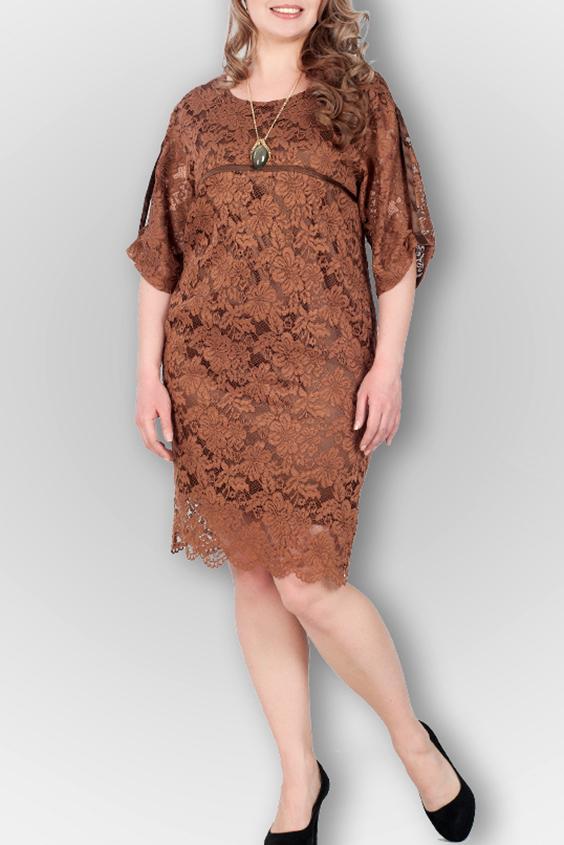 ПлатьеПлатья<br>Нарядное платье полуприталенного силуэта. Модель выполнена из ажурного гипюра. Отличный выбор для любого торжества. Платье на подкладе.  В изделии использованы цвета: коричневый  Ростовка изделия 170 см.<br><br>Горловина: С- горловина<br>По длине: Ниже колена<br>По материалу: Гипюр<br>По рисунку: Однотонные<br>По сезону: Весна,Зима,Лето,Осень,Всесезон<br>По силуэту: Полуприталенные<br>По стилю: Нарядный стиль<br>По элементам: С патами,С подкладом<br>Рукав: Рукав три четверти<br>Размер : 48,50,52<br>Материал: Гипюр<br>Количество в наличии: 5