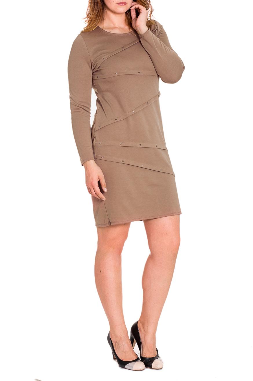 ПлатьеПлатья<br>Красивое женское платье с втачным рукавом. По переду декоративные складки. Модель до колена.  Цвет: бежевый  Рост девушки-фотомодели 180 см.  Длина рукава - 60 ± 1 см  Длина изделия - 97 ± 2 см<br><br>Горловина: С- горловина<br>По длине: До колена<br>По материалу: Трикотаж,Хлопок<br>По образу: Город,Свидание<br>По рисунку: Однотонные<br>По сезону: Зима<br>По силуэту: Полуприталенные<br>По стилю: Повседневный стиль<br>По форме: Платье - футляр<br>По элементам: С декором,Со складками<br>Рукав: Длинный рукав<br>Размер : 56,58<br>Материал: Джерси<br>Количество в наличии: 2