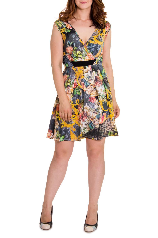 СарафанСарафаны<br>Женственное летнее платье приталенного силуэта. По талии втачной пояс, V-образная горловина на запах. Цвет: на сером фоне цветы и желтый узор.  Рост девушки-фотомодели 180 см  Длина изделия - 95 ± 2 см<br><br>Горловина: V- горловина,Запах<br>По рисунку: Абстракция,Цветные,С принтом<br>По сезону: Лето<br>По силуэту: Приталенные<br>По материалу: Трикотаж<br>По стилю: Летний стиль,Повседневный стиль<br>По элементам: С завышенной талией<br>По длине: До колена<br>Рукав: Без рукавов<br>Размер : 44<br>Материал: Холодное масло<br>Количество в наличии: 2