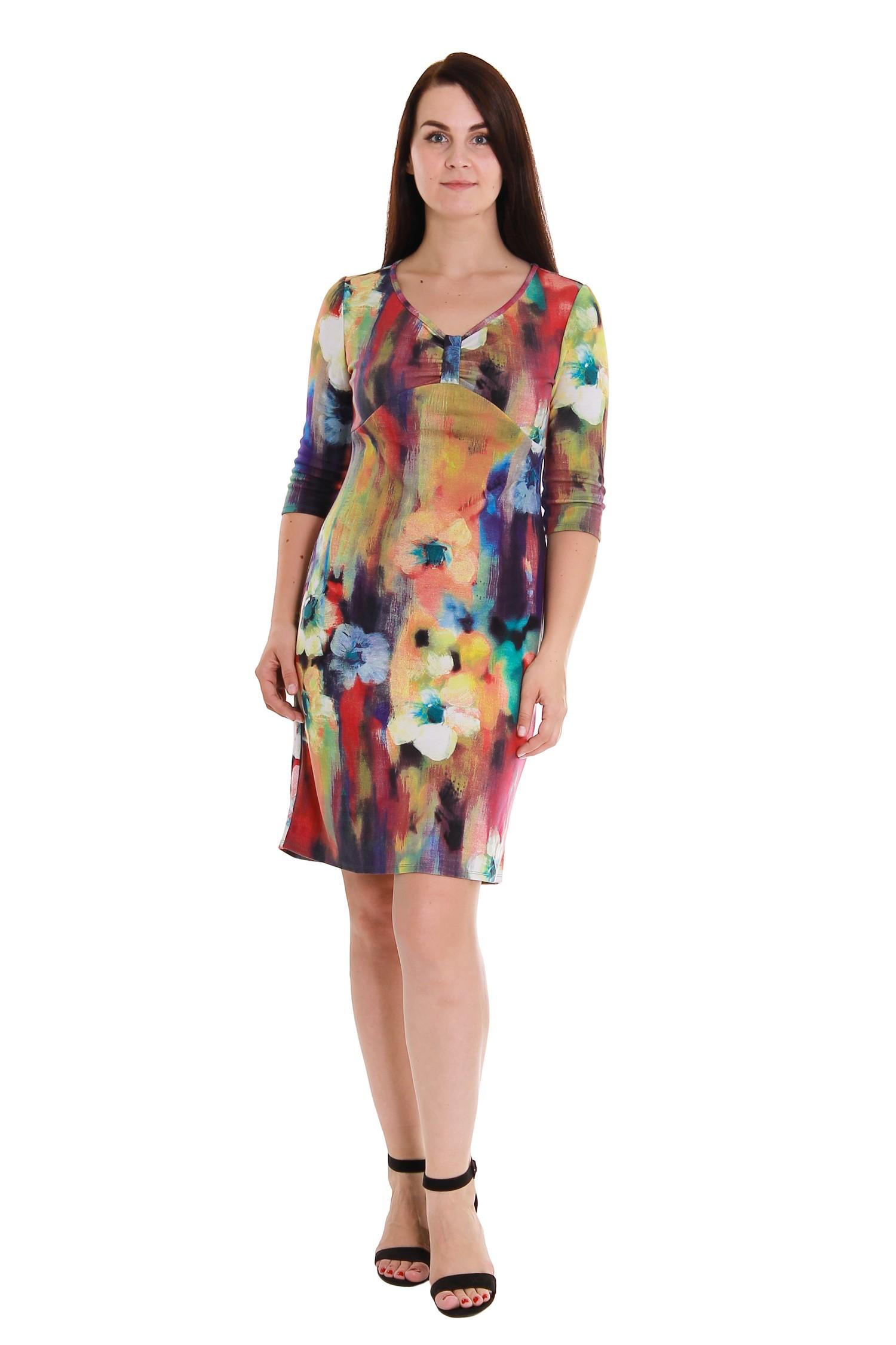 ПлатьеПлатья<br>Элегантное женское платье из приятного трикотажа для прекрасных дам.  Рост девушки-фотомодели 180 см<br><br>По образу: Город,Свидание<br>По стилю: Молодежный стиль,Повседневный стиль,Романтический стиль<br>По материалу: Трикотаж,Вискоза<br>По рисунку: Абстракция,Цветные,Цветочные<br>По сезону: Зима,Весна,Осень<br>По силуэту: Полуприталенные<br>По элементам: С декором<br>По форме: Платье - футляр<br>По длине: Миди<br>Рукав: Рукав три четверти<br>Горловина: V- горловина<br>Размер: 50,52,54,56,58,46,48<br>Материал: 95% вискоза 5% эластан<br>Количество в наличии: 2
