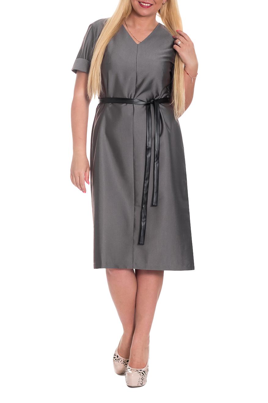 ПлатьеПлатья<br>Классика и элегантность - это залог успеха для создания Вашего повседневного образа. Дополните это стильное платье модными аксессуарами и завершите образ успешной женщины   Платье полуприлегающего силуэта со съемным поясом из искусственной кожи. На передней части изделия средний шов. Горловина обработана обтачкой. Рукав рубашечный, короткий, с притачной манжетой.  Цвет: изделие выполненно из оригинальной ткани, которая при отдаленном расмотрении имеет серый стальной оттенок, при приближении на темном коричневом фоне мелкие бежевые полоски. Просим учеть данный нюанс при покупке этого чудесного платья.  Длина рукава - 22 ± 1 см  Рост девушки-фотомодели 170 см  Длина изделия - 107 ± 2 см<br><br>Горловина: V- горловина<br>По длине: Ниже колена<br>По материалу: Костюмные ткани,Тканевые<br>По рисунку: Однотонные<br>По силуэту: Полуприталенные<br>По стилю: Классический стиль,Кэжуал,Офисный стиль,Повседневный стиль<br>По форме: Платье - трапеция<br>По элементам: С вырезом,С декором,С манжетами,С поясом<br>Рукав: Короткий рукав<br>По сезону: Осень,Весна<br>Размер : 48,50<br>Материал: Костюмная ткань + Искусственная кожа<br>Количество в наличии: 5