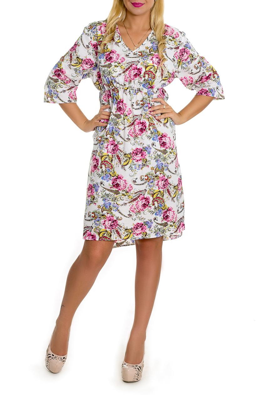 ПлатьеПлатья<br>Очаровательное платье расклешенного силуэта - это дивный вариант на лето. Украшена модель контрастным рисунком. Платье расклешенного силуэта, под грудью резинка, вырез на уголок, рукав рубашечный 3\4.  Цвет: белый, розовый и др.  Рост девушки-фотомодели 170 см  Длина изделия - 102 ± 2 см<br><br>Горловина: V- горловина<br>По длине: До колена<br>По материалу: Хлопок<br>По рисунку: Растительные мотивы,С принтом,Цветные,Цветочные<br>По силуэту: Свободные<br>По стилю: Летний стиль,Повседневный стиль,Романтический стиль<br>По элементам: С декором,С завышенной талией,С фигурным низом,Со складками<br>Рукав: Рукав три четверти<br>По сезону: Осень,Весна<br>Размер : 52,56<br>Материал: Хлопок<br>Количество в наличии: 2