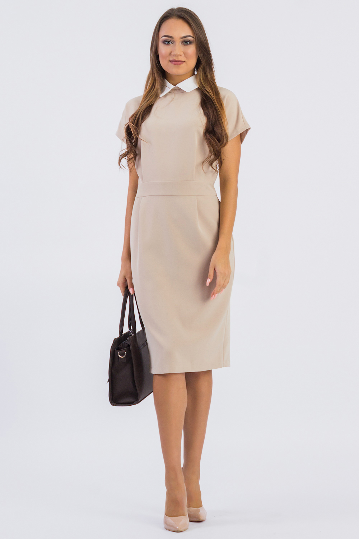 ПлатьеПлатья<br>Воротник часто влияет на весь характер платья и может менять его до неузнаваемости. Этой детали одежды в последнее время уделяется пристальное внимание. Воротники дизайнеры возвели практически в ранг модных аксессуаров: их украшают вышивкой, драгоценными камнями и стразами, выполняют из ткани контрастных цветов и кружева, экспериментируют с формой и отделкой. Красивый воротник на платье никогда не остается незамеченным.  Платье приталенного силуэта с втачным поясом по талии. Складки на передней и задней частях изделия заложены от центра. На спинке средний шов с молнией и шлицей. Воротник стояче-отложной с застежкой на пуговицу. Рукав цельнокроенный, короткий.  Цвет: бежевый, белый  Длина рукава - 14 ± 1 см  Рост девушки-фотомодели 174 см  Длина изделия - 98 ± 2 см<br><br>Воротник: Отложной<br>По длине: До колена<br>По материалу: Тканевые<br>По рисунку: Однотонные<br>По сезону: Лето,Осень,Весна<br>По силуэту: Полуприталенные<br>По стилю: Винтаж,Классический стиль,Офисный стиль,Повседневный стиль<br>По элементам: С воротником,Со складками<br>Рукав: Короткий рукав<br>Размер : 42,44,46,48,50<br>Материал: Костюмная ткань<br>Количество в наличии: 10