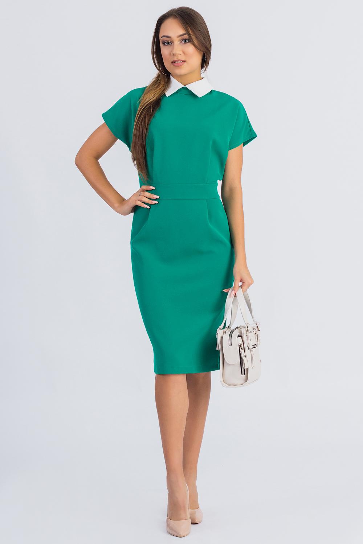 ПлатьеПлатья<br>Воротник часто влияет на весь характер платья и может менять его до неузнаваемости. Этой детали одежды в последнее время уделяется пристальное внимание. Воротники дизайнеры возвели практически в ранг модных аксессуаров: их украшают вышивкой, драгоценными камнями и стразами, выполняют из ткани контрастных цветов и кружева, экспериментируют с формой и отделкой. Красивый воротник на платье никогда не остается незамеченным.  Платье приталенного силуэта с втачным поясом по талии. Складки на передней и задней частях изделия заложены от центра. На спинке средний шов с молнией и шлицей. Воротник стояче-отложной с застежкой на пуговицу. Рукав цельнокроенный, короткий.  Цвет: зеленый, белый  Длина рукава - 14 ± 1 см  Рост девушки-фотомодели 174 см  Длина изделия - 98 ± 2 см<br><br>Воротник: Отложной<br>По длине: До колена<br>По материалу: Тканевые<br>По рисунку: Однотонные<br>По сезону: Лето,Осень,Весна<br>По силуэту: Полуприталенные<br>По стилю: Винтаж,Классический стиль,Офисный стиль,Повседневный стиль<br>По элементам: С воротником,Со складками<br>Рукав: Короткий рукав<br>Размер : 42,44,46,48,50<br>Материал: Костюмная ткань<br>Количество в наличии: 10