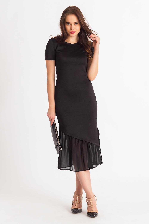 ПлатьеПлатья<br>Повседневно-нарядное платье прекрасно подойдет как для праздника, так и для романтичной встречи. В наших платьях Вы будете выглядеть очаровательно на протяжении всего дня.  Платье приталенного силуэта с асимметричным широким воланом. На спинке средний шов. Разрез в боковом шве. Рукав втачной, короткий.  Цвет: черный.   Длина рукава - 17 ± 1 см   Рост девушки-фотомодели 180 см  Длина изделия - 112 ± 1 см<br><br>Горловина: С- горловина<br>По материалу: Трикотаж,Шифон<br>По сезону: Весна,Осень,Зима,Лето,Всесезон<br>По длине: Ниже колена<br>По рисунку: Однотонные<br>По силуэту: Приталенные<br>По стилю: Готический стиль,Нарядный стиль,Романтический стиль,Вечерний стиль<br>По элементам: С воланами и рюшами,С декором,С фигурным низом,Со складками<br>Рукав: Короткий рукав<br>По форме: Платье - годе<br>Размер : 42,44,46,48<br>Материал: Трикотаж + Шифон<br>Количество в наличии: 13