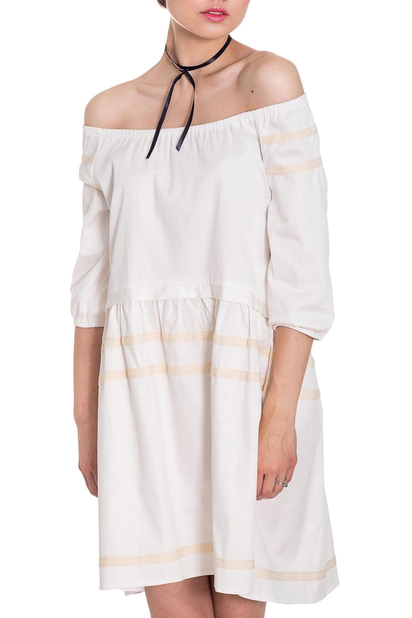ПлатьеПлатья<br>Стиль беби долл считается одним из самых популярных во всем мире. Девушка в этом образе похожа на милую, чудесную куколку.  Платье силуэта трапеция с асимметричным низом. Фигурный низ по талии. Горловина со сборкой на резинку. Рукав реглан, 3/4, со сборкой по низу.  Цвет: белый.  Длина рукава (от конечной плечевой точки) - 35 ± 1 см  Рост девушки-фотомодели 169 см  Длина изделия:  Длина изделия: 40 размер - 85 ± 2 см 42 размер - 85 ± 2 см 44 размер - 85 ± 2 см 46 размер - 87 ± 2 см 48 размер - 87 ± 2 см 50 размер - 87 ± 2 см 52 размер - 87 ± 2 см<br><br>Горловина: Лодочка,С- горловина<br>По длине: До колена,Мини<br>По материалу: Тканевые<br>По рисунку: Однотонные<br>По силуэту: Свободные<br>По стилю: Кэжуал,Летний стиль,Молодежный стиль,Повседневный стиль,Романтический стиль,Ультрамодный стиль<br>По форме: Беби - долл,Платье - трапеция<br>По элементам: С декором,С манжетами,С фигурным низом,Со складками<br>Рукав: Рукав три четверти<br>По сезону: Лето<br>Размер : 42,46,48,52<br>Материал: Плательно-блузочная ткань<br>Количество в наличии: 5