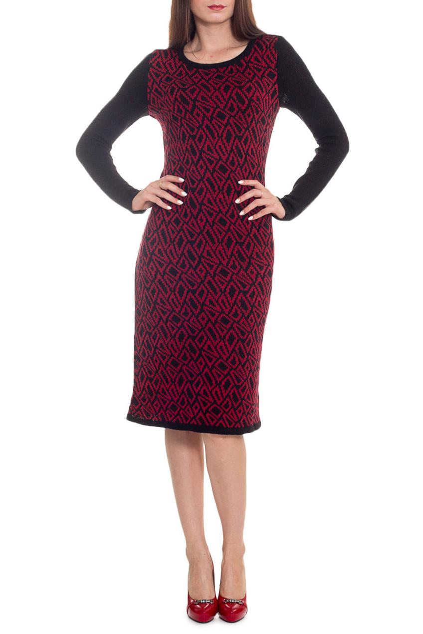 ПлатьеПлатья<br>Очаровательное женское платье с длинными рукавами. Модель выполнена из вязаного трикотажа. Вязаный трикотаж - это красота, тепло и комфорт. В вязаных вещах очень легко оставаться женственной и в то же время не замёрзнуть.  Платье приталенного силуэта. Горловина обработана бейкой. Рукав втачной, длинный.  В изделии использованы цвета: черный, бордовый.  Длина рукава (от конечной плечевой точки) - 60 ± 1 см  Рост девушки-фотомодели 173 см  Длина изделия: 44 размер - 98 ± 2 см 46 размер - 98 ± 2 см 48 размер - 98 ± 2 см 50 размер - 98 ± 2 см 52 размер - 98 ± 2 см 54 размер - 102 ± 2 см 56 размер - 102 ± 2 см 54 размер - 102 ± 2 см<br><br>Горловина: С- горловина<br>По длине: Ниже колена<br>По материалу: Вязаные<br>По рисунку: Абстракция,Геометрия,Цветные,С принтом<br>По сезону: Осень,Зима<br>По силуэту: Приталенные<br>По стилю: Повседневный стиль<br>По форме: Платье - футляр<br>Рукав: Длинный рукав<br>Размер : 48,50<br>Материал: Вязаное полотно<br>Количество в наличии: 2