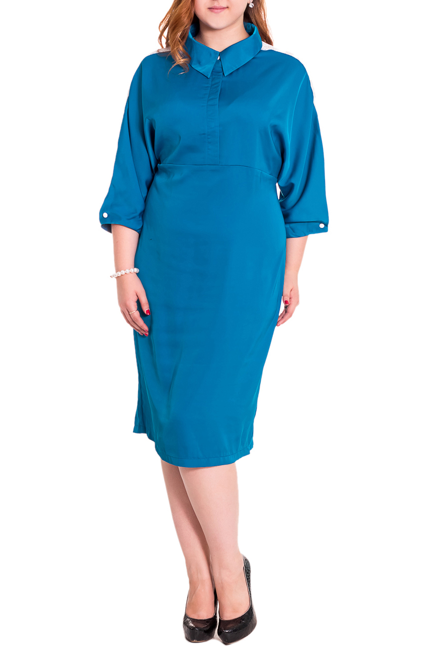 ПлатьеПлатья<br>Дивное платье полуприлегающего силуэта, длинной чуть ниже колена. Средний шов на передней и задней частях изделия. Потайная застежка на лифе. Воротник стояче-отложной. Цельновыкроенный рукав. Вставка из гипюра по рукаву, застежка на пуговицу. Цвет: голубой, белый  Длина рукава - 43 ± 1 см  Рост девушки-фотомодели 169 см  Длина изделия - 107 ± 2 см<br><br>Воротник: Стояче-отложной<br>По длине: Ниже колена<br>По материалу: Атлас<br>По рисунку: Однотонные<br>По сезону: Весна,Всесезон,Зима,Лето,Осень<br>По силуэту: Полуприталенные<br>По стилю: Нарядный стиль,Повседневный стиль<br>По форме: Платье - футляр<br>По элементам: С декором<br>Рукав: Рукав три четверти<br>Размер : 48<br>Материал: Атлас<br>Количество в наличии: 1