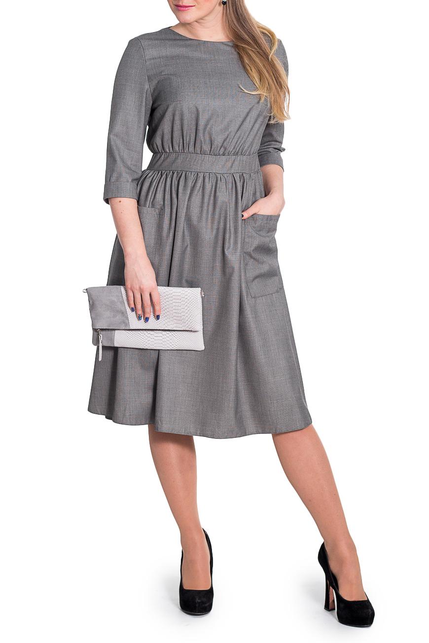 ПлатьеПлатья<br>Классика и элегантность - это залог успеха для создания Вашего повседневного образа. Дополните это стильное платье модными аксессуарами и завершите образ успешной женщины   Платье приталенного силуэта с втачным поясом и сборкой по талии. На передней части юбки накладные карманы. На спинке средний шов и молния. Горловина обработана обтачкой. Рукав втачной, 3/4, с манжетой на отворот.  Цвет: серая мелкая клетка.  Длина рукава - 42 ± 1 см  Рост девушки-фотомодели 170 см  Длина изделия: 46 размер - 107 ± 2 см 48 размер - 107 ± 2 см 50 размер - 107 ± 2 см 52 размер - 107 ± 2 см 54 размер - 109 ± 2 см 56 размер - 109 ± 2 см 58 размер - 109 ± 2 см<br><br>Горловина: С- горловина<br>По длине: Ниже колена<br>По материалу: Тканевые<br>По образу: Город,Офис,Свидание<br>По рисунку: В клетку,Однотонные<br>По силуэту: Приталенные<br>По стилю: Классический стиль,Кэжуал,Офисный стиль,Повседневный стиль<br>По форме: Платье - трапеция<br>По элементам: С декором,С карманами,С манжетами,С молнией,Со складками<br>Рукав: Рукав три четверти<br>По сезону: Осень,Весна<br>Размер : 50,52,54,56,58<br>Материал: Плательная ткань<br>Количество в наличии: 21