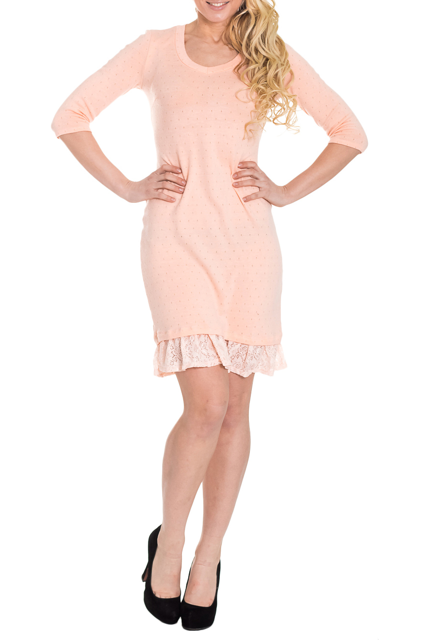 ПлатьеПлатья<br>Прекрасное платье полуприлегающего силуэта с рюшей из гипюра по низу изделия. На спинке средний шов. Горловина обработана бейкой. Рукав втачной, 3/4.  Цвет: розовый  Длина рукава - 40 ± 1 см   Длина изделия: 46 размер - 90 ± 2 см 48 размер - 90 ± 2 см 50 размер - 90 ± 2 см 52 размер - 90 ± 2 см 54 размер - 93 ± 2 см 56 размер - 93 ± 2 см 58 размер - 93 ± 2 см  Рост девушки-фотомодели 170 см<br><br>По образу: Свидание,Город<br>По стилю: Повседневный стиль,Романтический стиль<br>По материалу: Гипюр,Трикотаж<br>По рисунку: Однотонные<br>По сезону: Весна,Всесезон,Зима,Лето,Осень<br>По силуэту: Приталенные<br>По элементам: С воланами и рюшами,С декором<br>По форме: Платье - футляр<br>По длине: До колена<br>Рукав: Рукав три четверти<br>Горловина: С- горловина<br>Размер: 50,52,54,56,44,46,48<br>Материал: 50% хлопок 45% полиэстер 5% эластан<br>Количество в наличии: 32