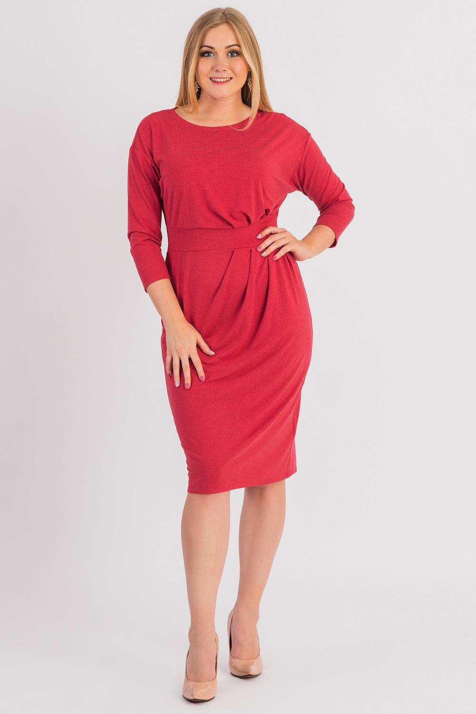 ПлатьеПлатья<br>Это изумительное женское платье подчеркнет все изгибы силуэта и поможет выразить свою индивидуальность.  Платье приталенного силуэта с втачным поясом по талии. На передней части изделия асимметричные складки. На спинке средний шов и шлица. Горловина лодочка. Рукав рубашечный, 7/8, со спущенной линией плеча.  Цвет: красный.  Длина рукава (от конечной плечевой точки) - 48 ± 1 см  Рост девушки-фотомодели 170 см  Длина изделия: 46 размер - 102 ± 2 см 48 размер - 102 ± 2 см 50 размер - 102 ± 2 см 52 размер - 102 ± 2 см 54 размер - 105 ± 2 см 56 размер - 105 ± 2 см 58 размер - 105 ± 2 см<br><br>Горловина: Лодочка<br>По длине: Ниже колена<br>По материалу: Вискоза,Трикотаж<br>По рисунку: Однотонные<br>По силуэту: Полуприталенные,Приталенные<br>По стилю: Кэжуал,Повседневный стиль<br>По форме: Платье - футляр<br>По элементам: С разрезом,Со складками<br>Разрез: Шлица<br>Рукав: Длинный рукав<br>По сезону: Осень,Весна<br>Размер : 48,50,52,54,56,58<br>Материал: Трикотаж<br>Количество в наличии: 44
