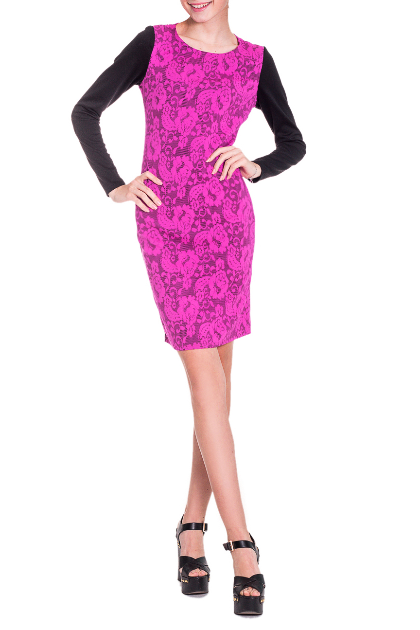 ПлатьеПлатья<br>Яркое нарядное платье поможет оставаться Вам на пике модных тенденций этого сезона. Наше платье выполнено из устойчивого к износу жаккарда, кроме того, материал практически не мнется. Платье приталенного силуэта. На спинке средний шов с разрезом и талиевые вытачки. Рукав втачной, длинный. Цвет: фиксия и черный.  Длина рукава - 60 ± 1 см  Рост девушки-фотомодели 174 см  Длина изделия - 87 ± 2 см<br><br>Горловина: С- горловина<br>По длине: До колена<br>По материалу: Жаккард,Хлопок<br>По образу: Свидание<br>По рисунку: Растительные мотивы,С принтом,Фактурный рисунок,Цветные,Цветочные<br>По сезону: Весна,Зима,Осень,Всесезон,Лето<br>По силуэту: Приталенные<br>По стилю: Молодежный стиль,Нарядный стиль<br>По форме: Платье - футляр<br>По элементам: С декором,С разрезом<br>Разрез: Короткий<br>Рукав: Длинный рукав<br>Размер : 48,50,52<br>Материал: Трикотаж<br>Количество в наличии: 16