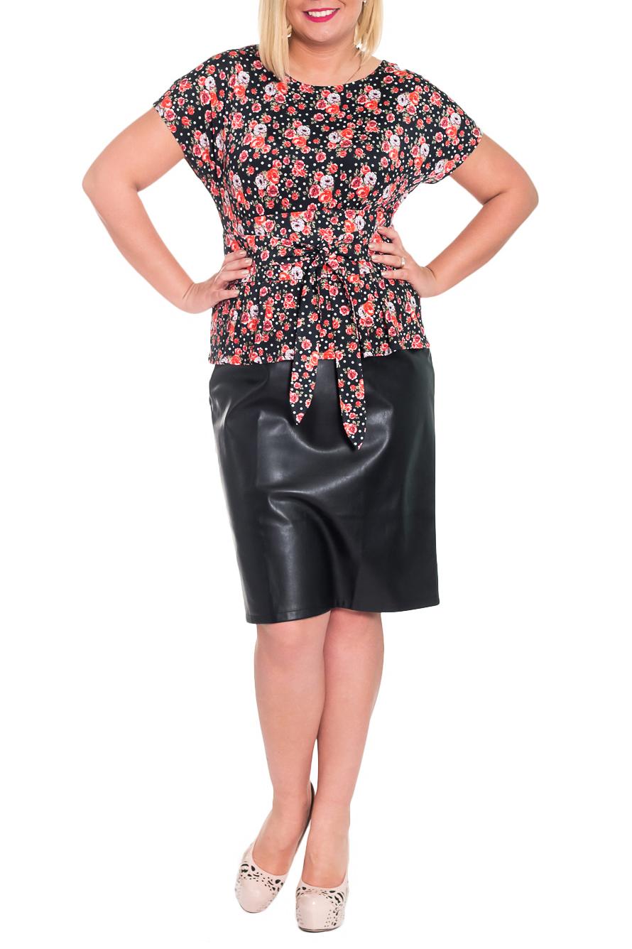 ПлатьеПлатья<br>Чудесное платье с баской станет изюминкой Вашего гардероба. Побалуйте себя этой великолепной покупкой  Платье приталенного силуэта, отрезное по линии талии, с баской. Съемный пояс. На передней части лифа и баски складки. На спинке средний шов с разрезом и складки на лифе. Рукав цельнокроенный, короткий.  Цвет: красно-коралловый, черный.  Длина рукава (от конечной плечевой точки) - 16 ± 1 см  Рост девушки-фотомодели 170 см  Длина изделия: 44 размер - 104 ± 2 см 46 размер - 104 ± 2 см 48 размер - 104 ± 2 см 50 размер - 104 ± 2 см 52 размер - 107 ± 2 см 54 размер - 107 ± 2 см 56 размер - 107 ± 2 см<br><br>Горловина: С- горловина<br>По длине: Ниже колена<br>По материалу: Трикотаж<br>По рисунку: Растительные мотивы,С принтом,Цветные,Цветочные<br>По сезону: Весна,Зима,Лето,Осень,Всесезон<br>По силуэту: Полуприталенные<br>По стилю: Повседневный стиль<br>По форме: Платье - футляр<br>По элементам: С декором,С поясом,С разрезом,Со складками,С кожаными вставками<br>Разрез: Короткий<br>Рукав: Короткий рукав<br>Размер : 46,48<br>Материал: Трикотаж + Искусственная кожа<br>Количество в наличии: 11