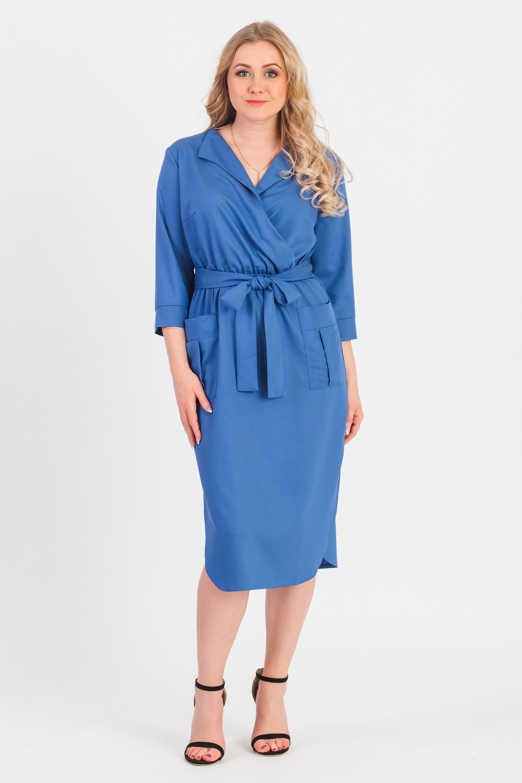 ПлатьеПлатья<br>Женственное платье в стиле casual станет идеальным вариантом повседневного или выходного наряда. Глубокий синий цвет украсит любую леди. Изумительно садясь по фигуре, это платье маскирует ее проблемные зоны.  Платье приталенного силуэта, отрезное по линии талии, с резинкой и съемным поясом. Фигурный низ.  На передней части лиф на запах с лацканом и накладные карманы на юбке. На спинке средний шов. Горловина обработана обтачкой. Рукав втачной, 3/4, с притачной манжетой.  Цвет: синий.  Длина рукава (от конечной плечевой точки) - 44 ± 1 см  Рост девушки-фотомодели 170 см  Длина изделия - 111 ± 2 см<br><br>Воротник: Отложной<br>Горловина: V- горловина,Запах<br>По длине: Ниже колена<br>По материалу: Тканевые<br>По образу: Город,Офис,Свидание<br>По рисунку: Однотонные<br>По силуэту: Приталенные<br>По стилю: Кэжуал,Офисный стиль,Повседневный стиль<br>По форме: Платье - футляр<br>По элементам: С воротником,С вырезом,С декором,С карманами,С манжетами,С поясом<br>Рукав: Рукав три четверти<br>По сезону: Осень,Весна<br>Размер : 48,50,52,54,56,58<br>Материал: Плательная ткань<br>Количество в наличии: 50