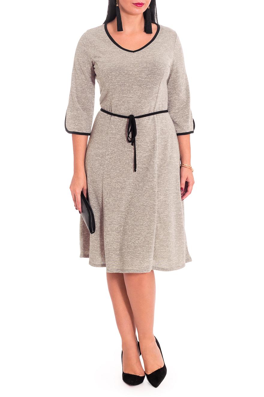 ПлатьеПлатья<br>Прелестное женское платье. Модель станет идеальным дополнением к Вашему повседневному гардеробу.  Платье полуприлегающего силуэта с рельефами на передней и задней частях изделия. Горловина V-образная, окантована. Рукав втачной, 3/4, со средним швом, фигурным низом и окантовкой по низу.  Цвет: бежевый.  Длина рукава - 42 ± 1 см  Рост девушки-фотомодели 170 см  Длина изделия: 46 размер - 107 ± 2 см 48 размер - 107 ± 2 см 50 размер - 107 ± 2 см 52 размер - 107 ± 2 см 54 размер - 110 ± 2 см 56 размер - 110 ± 2 см 58 размер - 110 ± 2 см<br><br>Горловина: V- горловина<br>По длине: Ниже колена<br>По материалу: Трикотаж<br>По рисунку: Однотонные<br>По силуэту: Полуприталенные<br>По стилю: Классический стиль,Кэжуал,Офисный стиль,Повседневный стиль<br>По элементам: С поясом<br>Рукав: Рукав три четверти<br>По сезону: Осень,Весна<br>Размер : 48,50,52,54,56,58<br>Материал: Трикотаж<br>Количество в наличии: 42