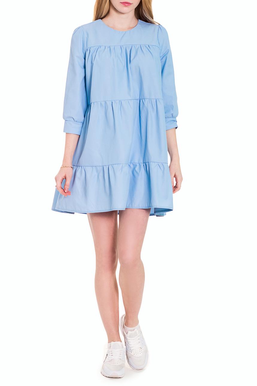 ПлатьеПлатья<br>Стиль беби долл считается одним из самых популярных во всем мире. Девушка в этом образе похожа на милую, чудесную куколку.  Платье силуэта трапеция, ярусами, асимметричным низом. Кокетки на передней и задней частях изделия. Горловина обработана обтачкой с застежкой на пуговицу на спинке. Рукав втачной, со сборкой по окату и низу, с притачной манжетой и пуговицей, 3/4. Цвет: голубой, с мелкими точками.  Длина рукава - 47 ± 1 см  Рост девушки-фотомодели 173 см  Длина изделия - 85 ± 2 см<br><br>Горловина: С- горловина<br>По длине: До колена,Мини<br>По материалу: Костюмные ткани,Тканевые,Хлопок<br>По образу: Город,Свидание<br>По рисунку: Однотонные<br>По сезону: Лето,Осень,Весна<br>По силуэту: Свободные<br>По стилю: Летний стиль,Молодежный стиль,Повседневный стиль,Романтический стиль,Ультрамодный стиль<br>По форме: Беби - долл,Платье - трапеция<br>По элементам: С декором,С манжетами,С пуговицами,С фигурным низом,Со складками<br>Рукав: Рукав три четверти<br>Размер : 42,44,46,48,50,52<br>Материал: Плательно-блузочная ткань<br>Количество в наличии: 11