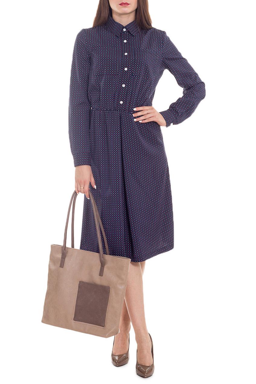 ПлатьеПлатья<br>Классика и элегантность - это залог успеха для создания Вашего повседневного образа. Дополните это стильное платье модными аксессуарами и завершите образ успешной женщины  Изумительное, женственное платье приталенного силуэта, отрезное по талии с резинкой. На передней части юбки встречная складка, на лифе нагрудные карманы. На спинке средний шов. Застежка на планку с пуговицами до талии, воротник стояче-отложной. Рукав втачной, длинный, с притачной манжетой и застежкой на пуговицу.  Цвет: на темно-синем фоне белый и красный горошек.  Длина рукава - 63 ± 1 см  Рост девушки-фотомодели 173 см  Длина изделия - 110 ± 2 см<br><br>Воротник: Рубашечный,Стояче-отложной<br>По длине: Ниже колена<br>По материалу: Тканевые<br>По рисунку: В горошек,Цветные<br>По сезону: Зима,Осень,Весна<br>По силуэту: Полуприталенные,Приталенные<br>По стилю: Классический стиль,Кэжуал,Офисный стиль,Повседневный стиль<br>По форме: Платье - трапеция<br>По элементам: С воротником,С декором,С карманами,С манжетами,С отделочной фурнитурой,С пуговицами<br>Рукав: Длинный рукав<br>Размер : 46,48,50,52,54,56<br>Материал: Плательная ткань<br>Количество в наличии: 23
