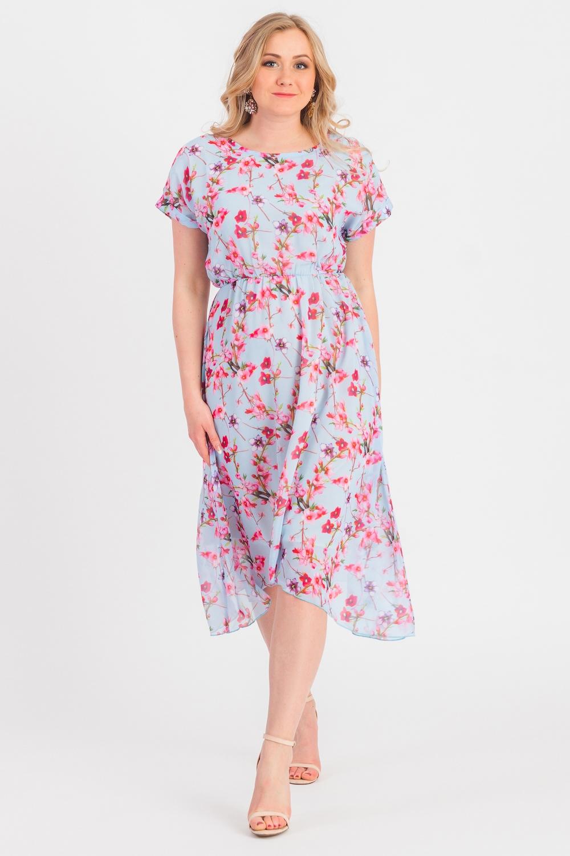 ПлатьеПлатья<br>Очаровательное женское платье станет идеальным вариантом повседневного или выходного наряда. Цветочный принт украсит любую леди. Изумительно садясь по фигуре, это платье маскирует ее проблемные зоны.  Платье полуприлегающего силуэта, на подкладе, с асимметричным низом. Отрезное по линии с резинкой по переду и поясками, завязывающимися на спинке. На спинке средний шов. Горловина окантована. Рукав цельнокроенный, короткий, с манжетой на отворот.  В изделии использованы цвета: голубой, розовый.  Длина рукава (от конечной плечевой точки) - 16 ± 1 см  Рост девушки-фотомодели 170 см  Длина изделия - 101 ± 2 см<br><br>Горловина: С- горловина<br>По длине: Ниже колена<br>По материалу: Тканевые<br>По рисунку: Растительные мотивы,С принтом,Цветные,Цветочные<br>По сезону: Весна,Лето<br>По силуэту: Полуприталенные<br>По стилю: Летний стиль,Повседневный стиль,Романтический стиль<br>По форме: Платье - трапеция<br>По элементам: С манжетами,С подкладом,С фигурным низом<br>Рукав: Короткий рукав<br>Размер : 48,50,52,54,56,58<br>Материал: Плательная ткань<br>Количество в наличии: 45