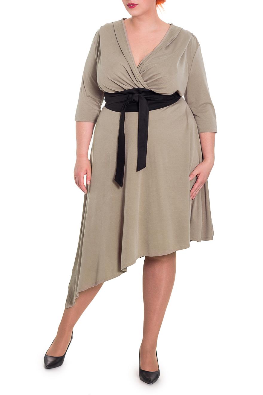 ПлатьеПлатья<br>Женственное платье с асимметричным низом станет изюминкой Вашего гардероба. Побалуйте себя этой великолепной покупкой  Платье приталенного силуэта, отрезное чуть выше линии талии, с асимметричным низом. На лифе переда заложены складки. На спинке средний шов. Съемный пояс. Рукав рубашечный, со спущенной линией плеча.  Цвет: бежевый, черный (пояс).  Длина рукава (от конечной плечевой точки) - 41 ± 1 см  Рост девушки-фотомодели 180 см  Длина изделия по спинке - 116 ± 2 см<br><br>По образу: Свидание,Город<br>По стилю: Повседневный стиль,Романтический стиль,Нарядный стиль<br>По материалу: Трикотаж<br>По рисунку: Однотонные<br>По сезону: Осень,Весна,Зима<br>По силуэту: Приталенные<br>По элементам: С завышенной талией,С поясом,С фигурным низом,Со складками,С декором<br>По форме: Платье - трапеция<br>По длине: Ниже колена<br>Рукав: Рукав три четверти<br>Горловина: V- горловина,Запах<br>Размер: 54,56,58,64,66<br>Материал: 95% полиэстер 5% спандекс<br>Количество в наличии: 7
