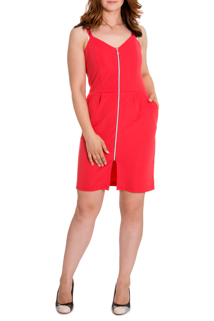 ПлатьеПлатья<br>Элегантное женское платье приталенного силуэта. По переду и спинке рельефы, отрезное по талии, карманы с отрезным бочком. По переду молния, тонкие бретели. Цвет: ярко-коралловый.  Рост девушки-фотомодели 180 см  Длина изделия - 95 ± 2 см<br><br>Горловина: V- горловина<br>По длине: До колена<br>По материалу: Трикотаж<br>По рисунку: Однотонные<br>По сезону: Лето<br>По силуэту: Приталенные<br>По стилю: Летний стиль,Молодежный стиль,Повседневный стиль<br>По форме: Платье - футляр<br>По элементам: С молнией,С разрезом<br>Разрез: Короткий<br>Рукав: Без рукавов<br>Размер : 44,46,48<br>Материал: Трикотаж<br>Количество в наличии: 17