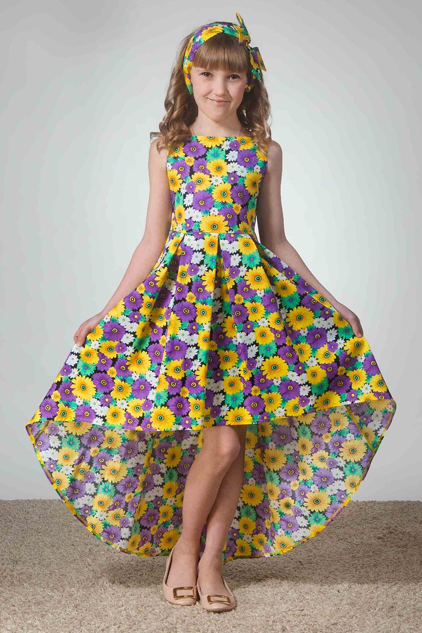 ПлатьеПлатья<br>Шикарная модель со шлейфом. По линии талии заложены встречные складки, которые вырисовывают силуэт и делают юбку объемной. Лиф с вырезом лодочкой на застежке молнии. Застежка заходит за линию талии на 7-10 см в зависимости от размера, что облегчает девочкам задачу одеть платье. Лиф приталенный (по спинке сделаны вытачки). Модель по подолу юбки оторочена косой бейкой в цвет рисунку платья. Хлопковая модель подшита в подгибку. Платья прекрасно стираются в машинке на режиме деликатная стирка при 30 градусах. Не дают усадки ни в длину, ни по объему.   Повязка для волос в комплект не входит.  В изделии использованы цвета: фиолетовый, желтый, зеленый, черный и др.  Размер 74 соответствует росту 70-73 см Размер 80 соответствует росту 74-80 см Размер 86 соответствует росту 81-86 см Размер 92 соответствует росту 87-92 см Размер 98 соответствует росту 93-98 см Размер 104 соответствует росту 98-104 см Размер 110 соответствует росту 105-110 см Размер 116 соответствует росту 111-116 см Размер 122 соответствует росту 117-122 см Размер 128 соответствует росту 123-128 см Размер 134 соответствует росту 129-134 см Размер 140 соответствует росту 135-140 см Размер 146 соответствует росту 141-146 см Размер 152 соответствует росту 147-152 см Размер 158 соответствует росту 153-158 см Размер 164 соответствует росту 159-164 см Размер 170 соответствует росту 165-170 см<br><br>Горловина: С- горловина<br>По возрасту: Ясельные ( от 1 до 3 лет),Дошкольные ( от 3 до 7 лет),Школьные ( от 7 до 13 лет)<br>По материалу: Хлопковые<br>По образу: Выпускной,Торжество<br>По рисунку: Растительные мотивы,С принтом (печатью),Цветные,Цветочные<br>По сезону: Весна,Зима,Лето,Осень,Всесезон<br>По силуэту: Приталенные<br>По стилю: На выпускной,Нарядные<br>По форме: Трапеция<br>По элементам: Без рукавов,С фигурным низом,Со шлейфом<br>Размер : 104,116,122,134<br>Материал: Хлопок<br>Количество в наличии: 4