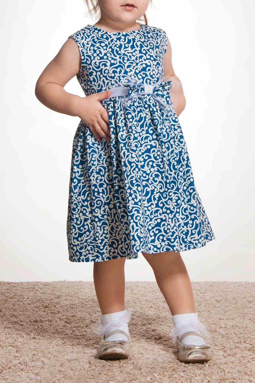ПлатьеПлатья<br>Платье из натурального хлопка без подклада. Выполнено из ткани в стиле Гжель. Многослойное украшение ручной работы: на подложку из фатина пришит бант из основной ткани и украшен по центру жемчужной полубусиной. Объемная юбка кружится.  В изделии использованы цвета: синий, белый  Размер 74 соответствует росту 70-73 см Размер 80 соответствует росту 74-80 см Размер 86 соответствует росту 81-86 см Размер 92 соответствует росту 87-92 см Размер 98 соответствует росту 93-98 см Размер 104 соответствует росту 98-104 см Размер 110 соответствует росту 105-110 см Размер 116 соответствует росту 111-116 см Размер 122 соответствует росту 117-122 см Размер 128 соответствует росту 123-128 см Размер 134 соответствует росту 129-134 см Размер 140 соответствует росту 135-140 см Размер 146 соответствует росту 141-146 см Размер 152 соответствует росту 147-152 см Размер 158 соответствует росту 153-158 см Размер 164 соответствует росту 159-164 см Размер 170 соответствует росту 165-170 см<br><br>Горловина: С- горловина<br>По возрасту: Школьные ( от 7 до 13 лет),Ясельные ( от 1 до 3 лет),Дошкольные ( от 3 до 7 лет)<br>По длине: Миди<br>По материалу: Хлопковые<br>По образу: Выпускной,Повседневные,Торжество<br>По рисунку: С принтом (печатью),Цветные<br>По сезону: Весна,Зима,Лето,Осень,Всесезон<br>По силуэту: Приталенные<br>По стилю: Нарядные,Повседневные<br>По форме: Трапеция<br>По элементам: Без рукавов,С декором<br>Размер : 104,116,122,134,140,98<br>Материал: Хлопок<br>Количество в наличии: 10