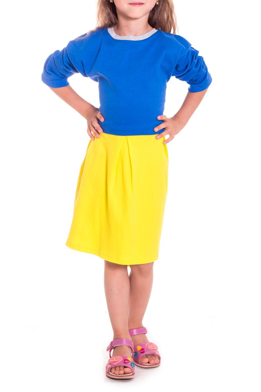 ПлатьеПлатья<br>Трикотажное платье для девочки  В изделии использованы цвета: синий, желтый  Размер 74 соответствует росту 70-73 см Размер 80 соответствует росту 74-80 см Размер 86 соответствует росту 81-86 см Размер 92 соответствует росту 87-92 см Размер 98 соответствует росту 93-98 см Размер 104 соответствует росту 98-104 см Размер 110 соответствует росту 105-110 см Размер 116 соответствует росту 111-116 см Размер 122 соответствует росту 117-122 см Размер 128 соответствует росту 123-128 см Размер 134 соответствует росту 129-134 см Размер 140 соответствует росту 135-140 см Размер 146 соответствует росту 141-146 см Размер 152 соответствует росту 147-152 см Размер 158 соответствует росту 153-158 см Размер 164 соответствует росту 159-164 см<br><br>Горловина: С- горловина<br>По возрасту: Дошкольные ( от 3 до 7 лет)<br>По материалу: Трикотажные,Хлопковые<br>По образу: Повседневные,Уличные<br>По силуэту: Полуприталенные<br>По стилю: Повседневные<br>Рукав: Длинный рукав<br>По сезону: Осень,Весна<br>Размер : 122,128,134<br>Материал: Трикотаж<br>Количество в наличии: 6