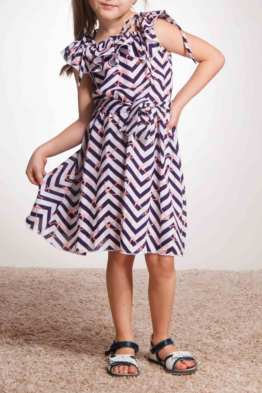 ПлатьеПлатья<br>Платье-воланчик из принтованного штапеля с морской тематикой. Одна из вариаций модного платья. В данной модели по линии талии вшита мягкая резинка. Платье-трансформер. Волан по плечу можно носить в нескольких вариантах: на оба плеча (как на фото), под одно плечо и под плечами. На плечах добавлены лямки-завязки, которые по желанию можно оставить, для фиксации платья, либо убрать.  Платье без пояса.  В изделии использованы цвета: темно-фиолетовый, белый, розовый  Размер 74 соответствует росту 70-73 см Размер 80 соответствует росту 74-80 см Размер 86 соответствует росту 81-86 см Размер 92 соответствует росту 87-92 см Размер 98 соответствует росту 93-98 см Размер 104 соответствует росту 98-104 см Размер 110 соответствует росту 105-110 см Размер 116 соответствует росту 111-116 см Размер 122 соответствует росту 117-122 см Размер 128 соответствует росту 123-128 см Размер 134 соответствует росту 129-134 см Размер 140 соответствует росту 135-140 см Размер 146 соответствует росту 141-146 см Размер 152 соответствует росту 147-152 см Размер 158 соответствует росту 153-158 см Размер 164 соответствует росту 159-164 см Размер 170 соответствует росту 165-170 см<br><br>Горловина: Лодочка,С- горловина<br>По возрасту: Ясельные ( от 1 до 3 лет),Дошкольные ( от 3 до 7 лет)<br>По длине: Миди<br>По материалу: Хлопковые<br>По образу: Повседневные,Торжество<br>По рисунку: В полоску,С принтом (печатью),Цветные<br>По силуэту: Приталенные<br>По стилю: Летние,Нарядные,Повседневные<br>По форме: Трапеция<br>По элементам: С воланами,С открытыми плечами<br>Рукав: Короткий рукав<br>По сезону: Лето<br>Размер : 104,116,122,86,98<br>Материал: Хлопок<br>Количество в наличии: 5