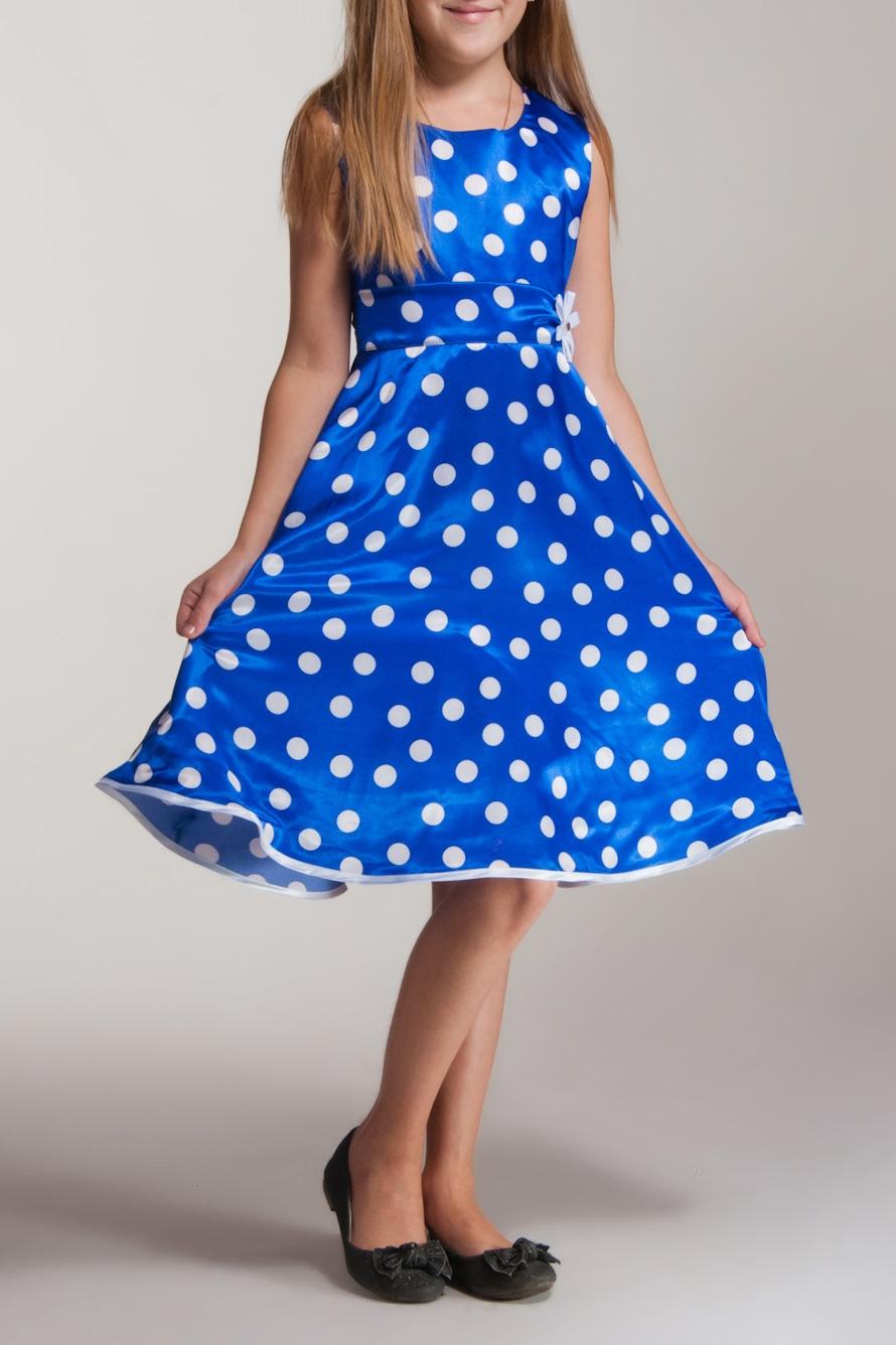 ПлатьеПлатья<br>Платье выполнено из стрейч-атласа, подклад из полиэстера, объем придает фатин, настроченный по низу подклады. Украшение в виде цветка ручной работы из ленточек в тон платью, в центре украшенного стразой.  В изделии использованы цвета: синий, белый  Размер 74 соответствует росту 70-73 см Размер 80 соответствует росту 74-80 см Размер 86 соответствует росту 81-86 см Размер 92 соответствует росту 87-92 см Размер 98 соответствует росту 93-98 см Размер 104 соответствует росту 98-104 см Размер 110 соответствует росту 105-110 см Размер 116 соответствует росту 111-116 см Размер 122 соответствует росту 117-122 см Размер 128 соответствует росту 123-128 см Размер 134 соответствует росту 129-134 см Размер 140 соответствует росту 135-140 см Размер 146 соответствует росту 141-146 см Размер 152 соответствует росту 147-152 см Размер 158 соответствует росту 153-158 см Размер 164 соответствует росту 159-164 см Размер 170 соответствует росту 165-170 см<br><br>Горловина: С- горловина<br>По возрасту: Ясельные ( от 1 до 3 лет),Дошкольные ( от 3 до 7 лет),Школьные ( от 7 до 13 лет)<br>По длине: Миди<br>По материалу: Атласные<br>По образу: Выпускной,Торжество<br>По рисунку: В горошек,С принтом (печатью),Цветные<br>По сезону: Весна,Зима,Лето,Осень,Всесезон<br>По силуэту: Приталенные<br>По стилю: Летние,На выпускной,Нарядные<br>По форме: Трапеция,С завышенной талией<br>По элементам: Без рукавов,С декором<br>Размер : 104,116,140<br>Материал: Атлас<br>Количество в наличии: 3
