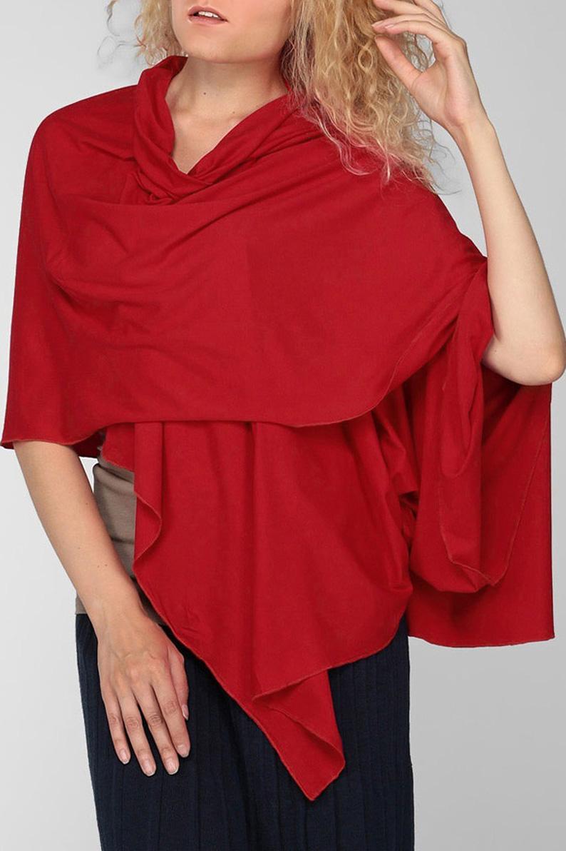 ПалантинПалантины<br>Классический женский палантин должен быть в арсенале каждой модницы  Размер: 175*45 см<br><br>Размер : UNI<br>Материал: Вискоза<br>Количество в наличии: 1