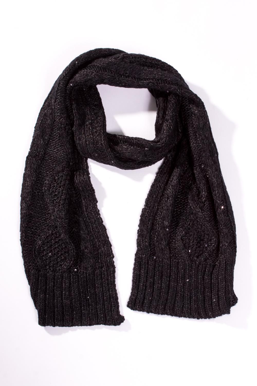 ШарфШарфы<br>Женский вязанный шарф. Вязаный трикотаж - это красота, тепло и комфорт. В вязаных вещах очень легко оставаться женственной и в то же время не замёрзнуть.  Цвет: черный<br><br>По сезону: Зима<br>Размер: 1<br>Материал: None<br>Количество в наличии: 2