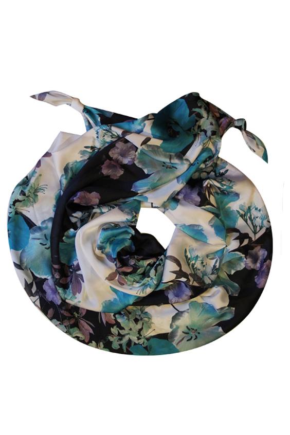 ШарфШарфы<br>Очаровательный женский шарф, который украсит Ваш образ  Цвет: белый, голубой и др.  Размер: 185*65 см<br><br>Размер : UNI<br>Материал: Искусственный шелк<br>Количество в наличии: 1