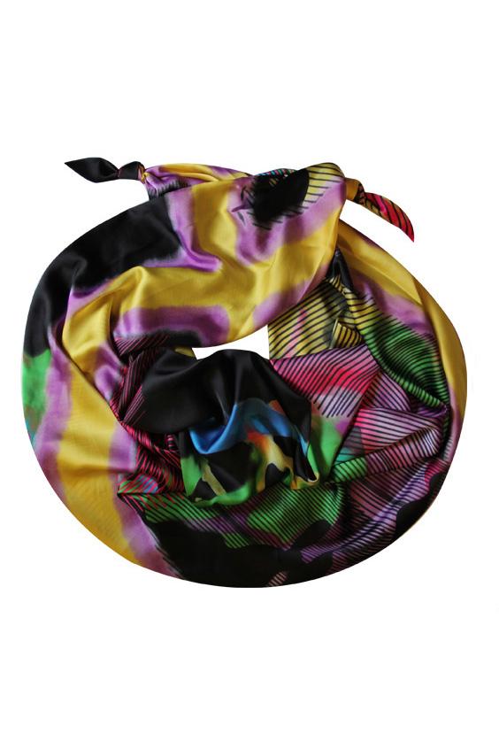 ШарфШарфы<br>Очаровательный женский шарф, который украсит Ваш образ  Цвет: мультицвет.  Размер: 185*65 см<br><br>По сезону: Всесезон<br>Размер : UNI<br>Материал: Искусственный шелк<br>Количество в наличии: 1