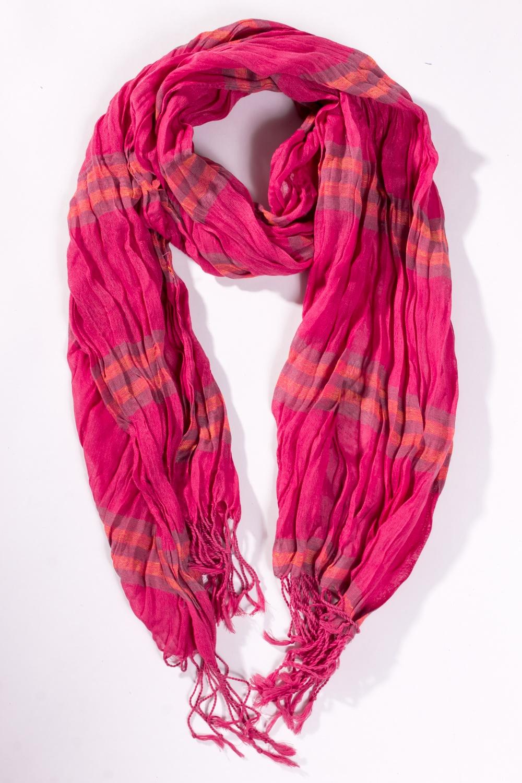 ШарфШарфы<br>Женский шарф из приятного материала  Цвет: розовый<br><br>Размер : UNI<br>Материал: Полиэстер<br>Количество в наличии: 2