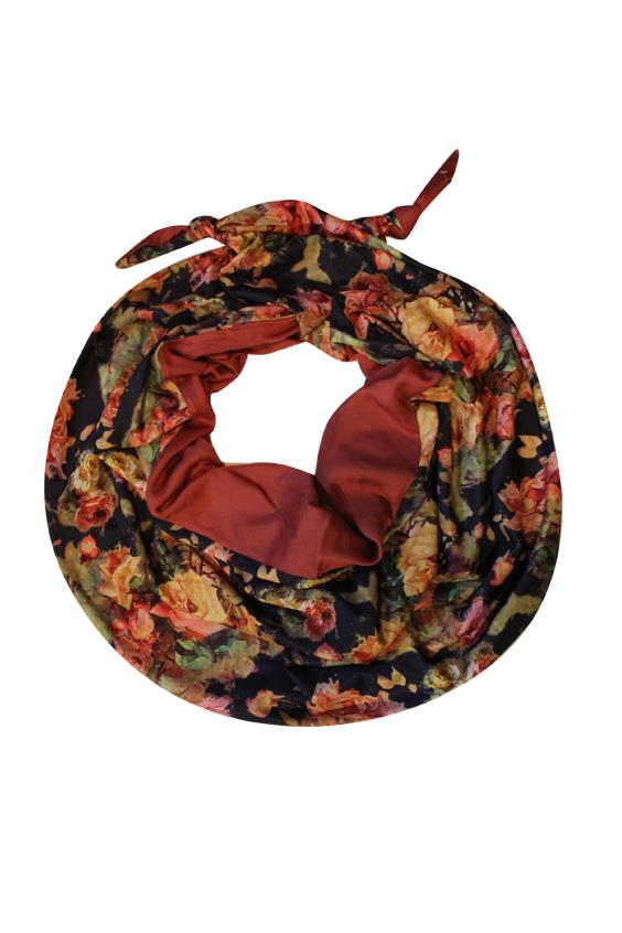 ШарфШарфы<br>Очаровательный женский шарф, который украсит Ваш образ  Цвет: мультицвет.<br><br>Размер : UNI<br>Материал: Шифон<br>Количество в наличии: 1