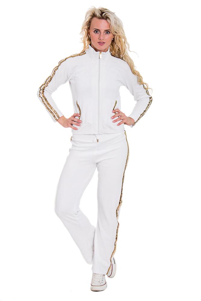 Спортивный костюмСпортивные костюмы<br>Женский спортивный костюм из эластичного трикотажа. Отличный выбор для активного отдыха.  Цвет: белый, золотой  Рост девушки-фотомодели - 170 см<br><br>Воротник: Стойка<br>По длине: Макси<br>По рисунку: Однотонные<br>По силуэту: Полуприталенные<br>По стилю: Повседневный стиль<br>По форме: Спортивные брюки,Костюм двойка<br>По элементам: С декором,С карманами<br>Застежка: С молнией<br>Рукав: Длинный рукав<br>По сезону: Осень,Весна<br>Размер : 42,44,46,48<br>Материал: Велюр<br>Количество в наличии: 8
