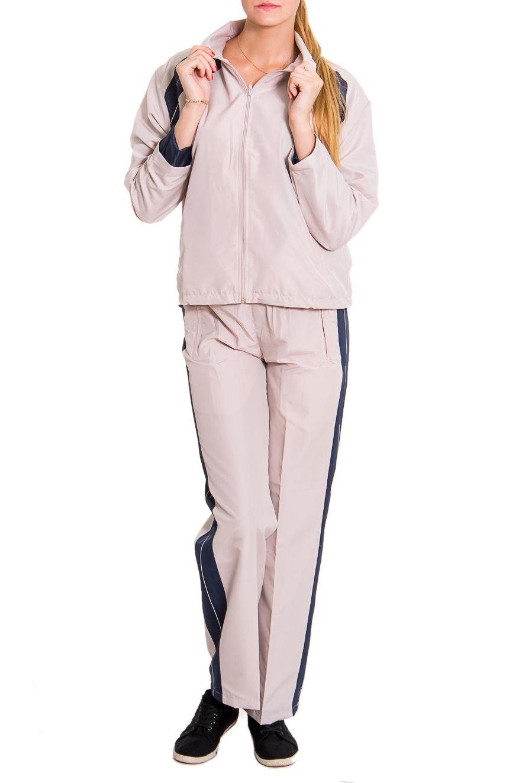 Спортивный костюмСпортивные костюмы<br>Женский спортивный костюм из эластичной ткани. Отличный выбор для занятий спортом или активного отдыха.  Рост девушки-фотомодели - 176 см  Цвет: бежевый<br><br>По длине: Макси<br>По рисунку: Однотонные,Цветные<br>По сезону: Весна,Осень<br>По силуэту: Полуприталенные<br>По форме: Костюм двойка,Спортивные брюки<br>По элементам: С карманами<br>Рукав: Длинный рукав<br>По стилю: Повседневный стиль<br>Застежка: С молнией<br>Размер : 44,46<br>Материал: Плащевая ткань<br>Количество в наличии: 4